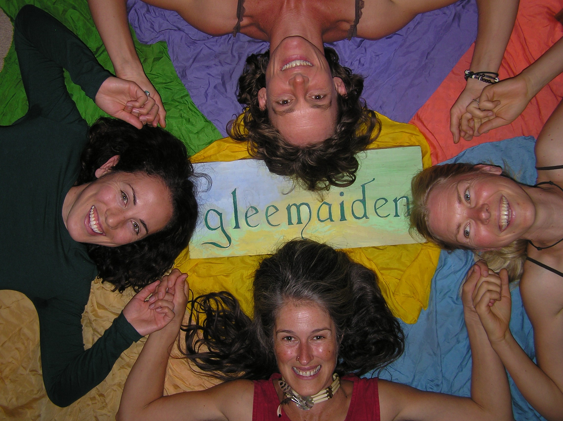 montoya brothers and gleemaiden tonight on silver city acoustic in the second hour we ll gleemaiden a local all women a cappella group which performs regularly at a variety of local venues